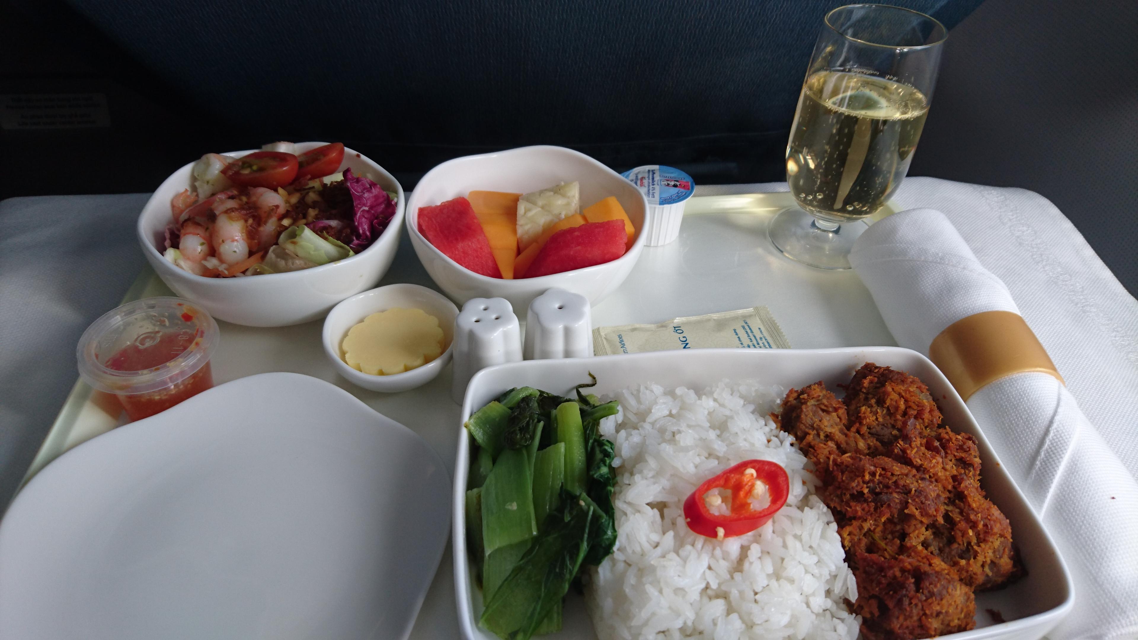 ベトナム航空 ビジネスクラス 機内食