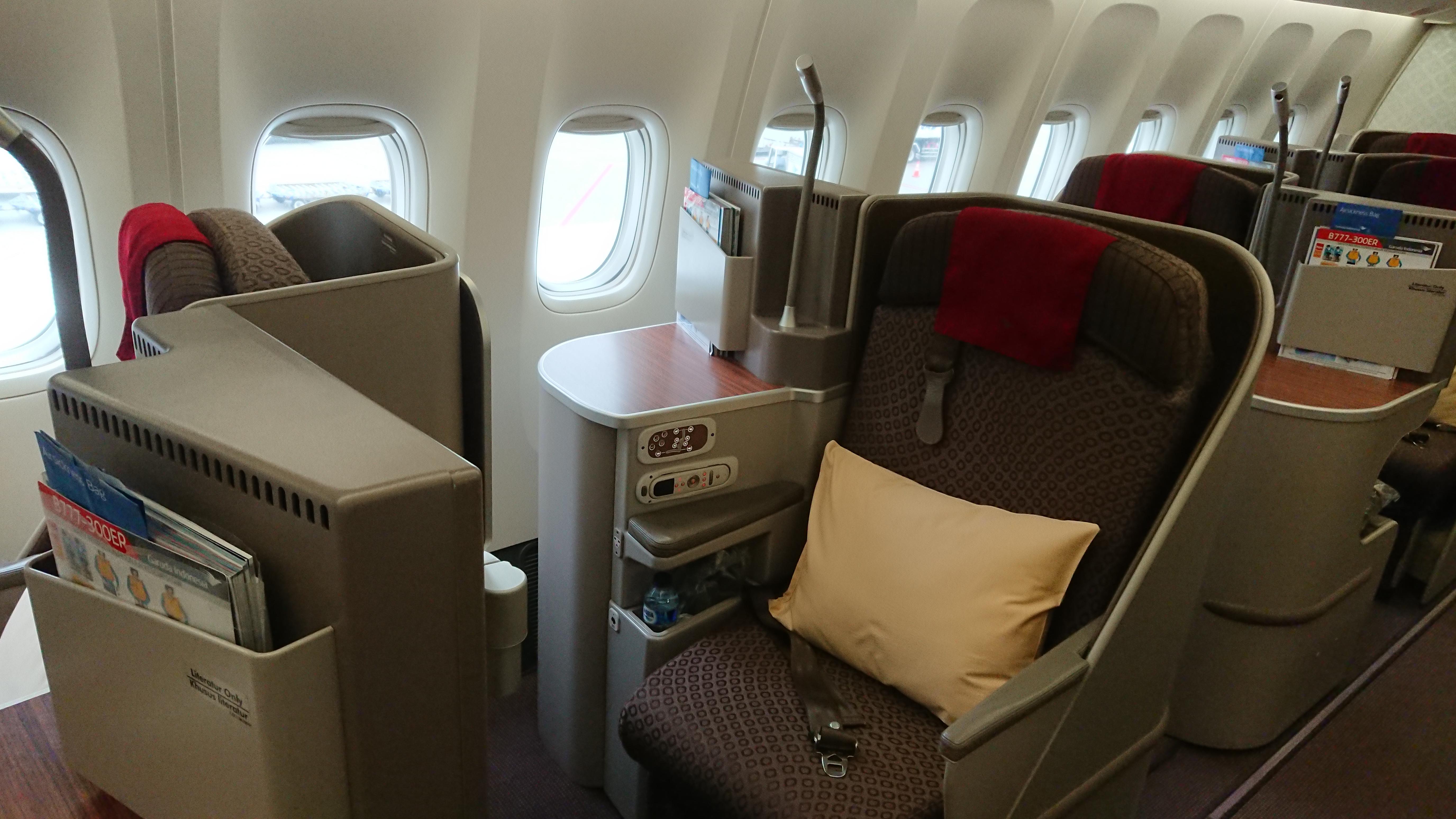ガルーダインドネシア航空 ボーイング777-300ER機