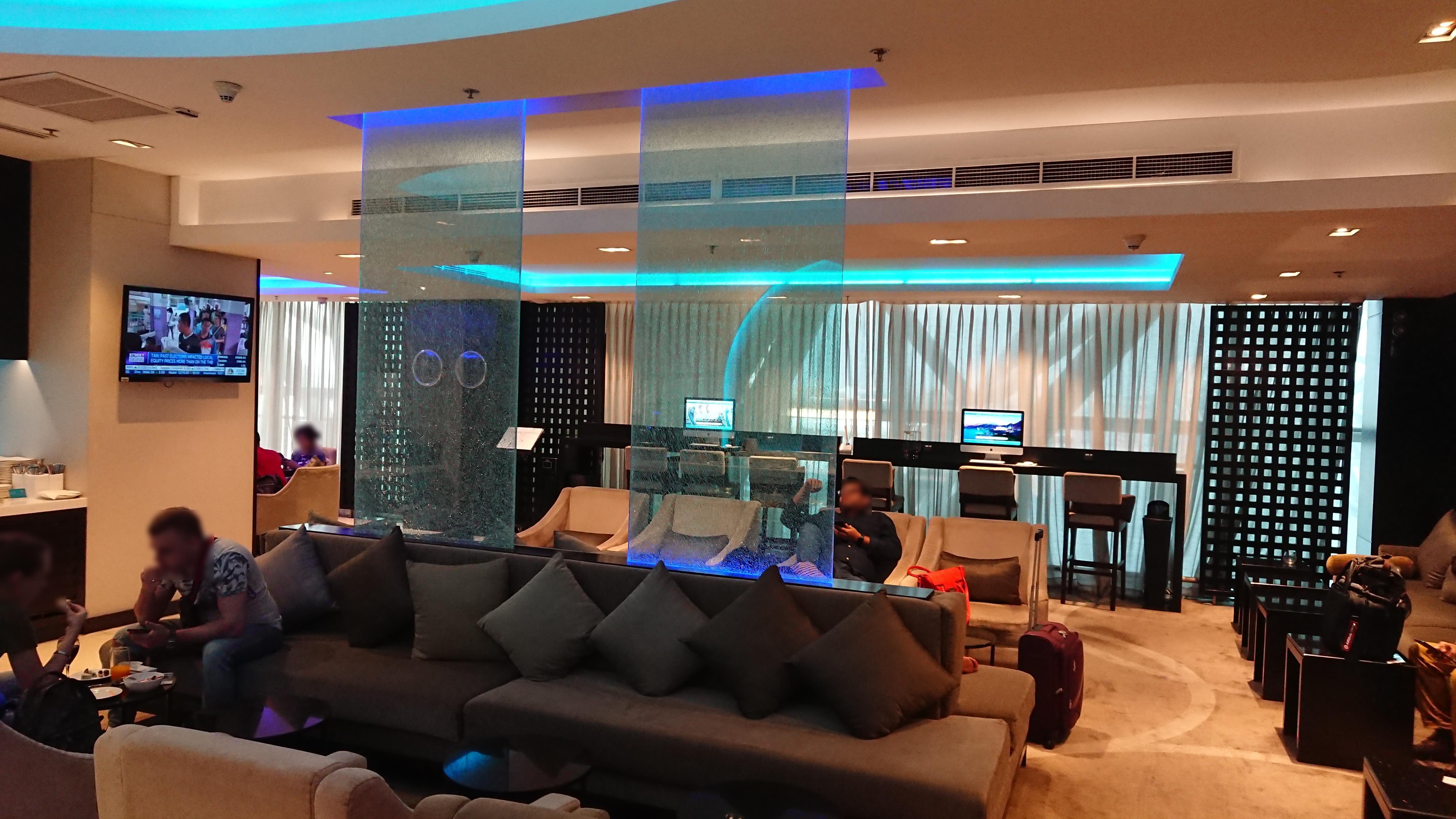 バンコク スワンナプーム国際空港 オマーン航空 ビジネスラウンジバンコク スワンナプーム国際空港 オマーン航空 ビジネスラウンジ