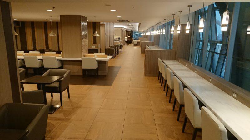バンコク スワンナプーム国際空港 JAL サクララウンジ