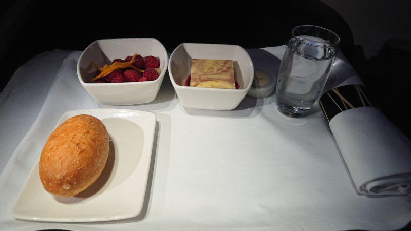 CX702 21MAR19 キャセイパシフィック ビジネスクラス 機内食