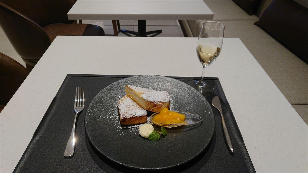 JAL ファーストクラスラウンジ フレンチトースト