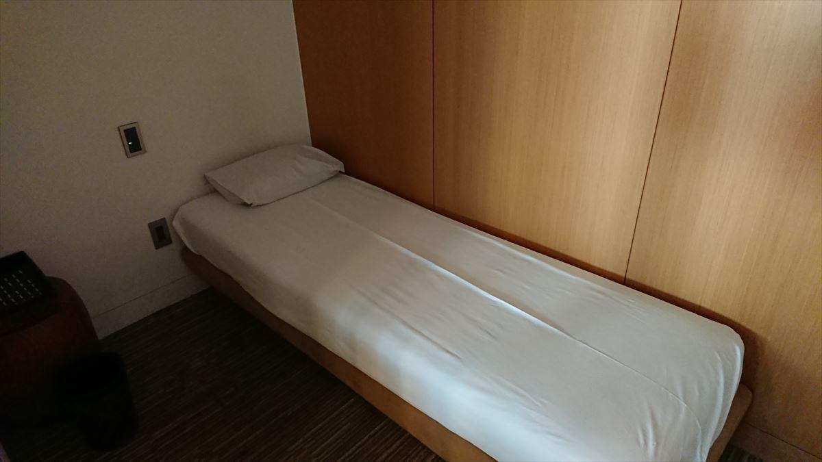 JAL 成田 本館 サクララウンジ