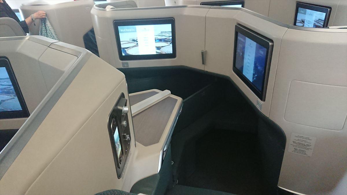 CX509 17MAY NRT-HKG キャセイパシフィックビジネスクラス