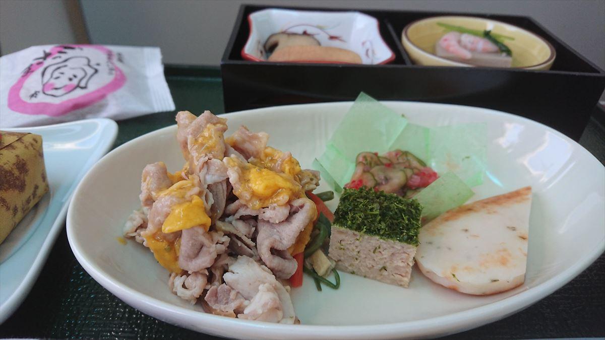 JL319 10JUN19 羽田 - 福岡 ファーストクラス 機内食
