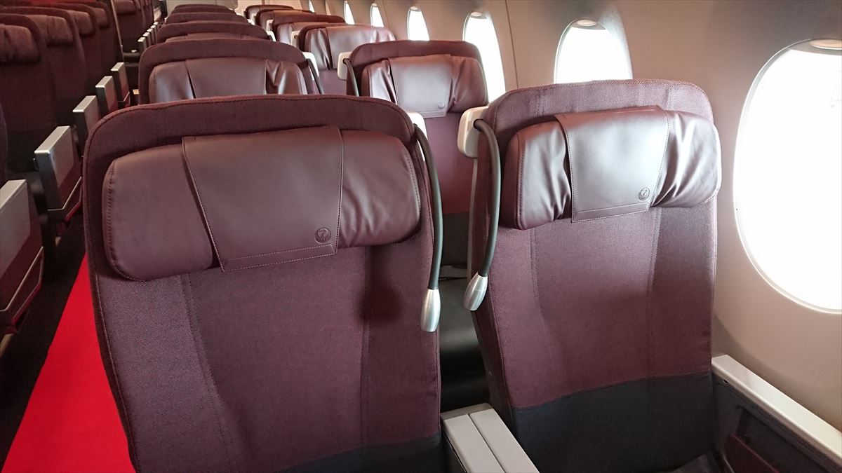 JAL A350-900型機 国内線 クラスJ