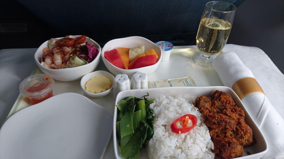 機内食の調味料 ベトナム航空