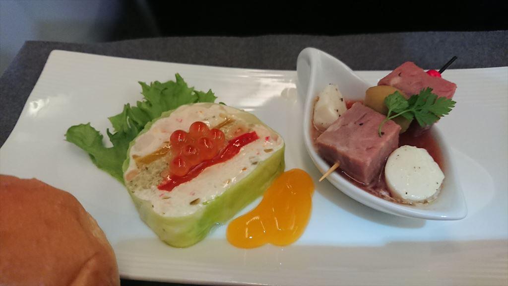 JL807 16JUL NRT-TPE ビジネスクラス 機内食
