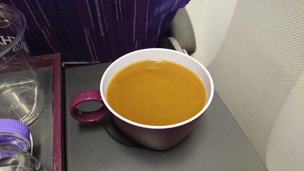 04OCT19 TG418 クアラルンプール - バンコク エコノミークラス 機内食