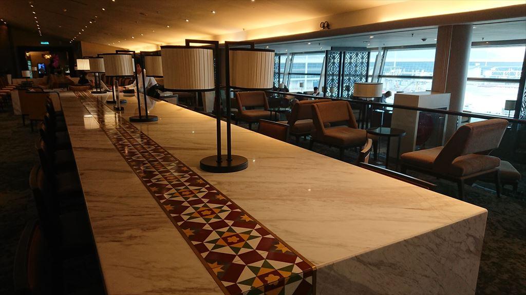 クアラルンプール国際空港 KLIA マレーシア航空 GOLDEN LOUNGE SATTELITE