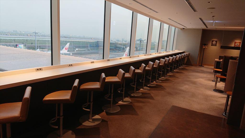 羽田国際空港 JAL サクララウンジ