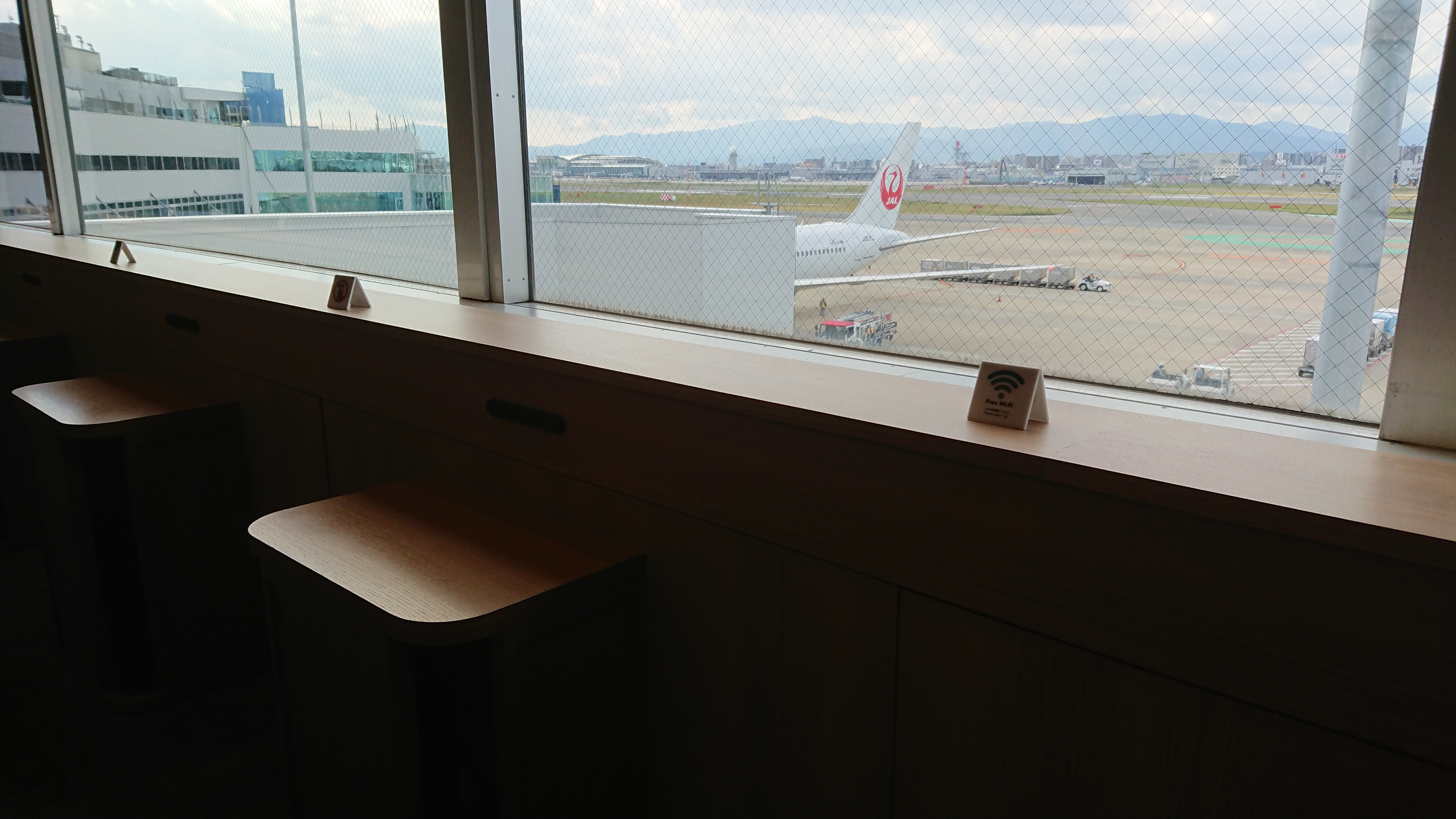 福岡空港 JAL DIAMOND PREMIER LOUNGE