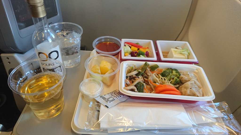 25JAN20 JL822 台北~名古屋 エコノミークラス 機内食