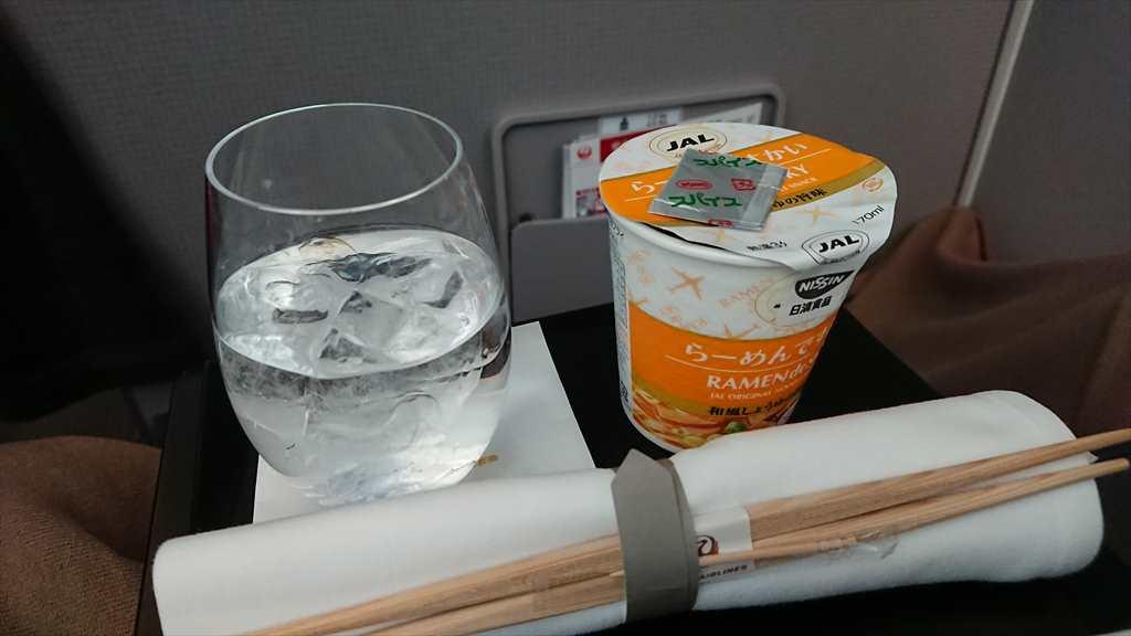 16FEB20 JL902 那覇 - 羽田 ファーストクラス 機内食