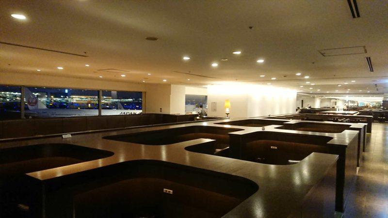 羽田空港 ターミナル1南ウィング JAL サクララウンジ