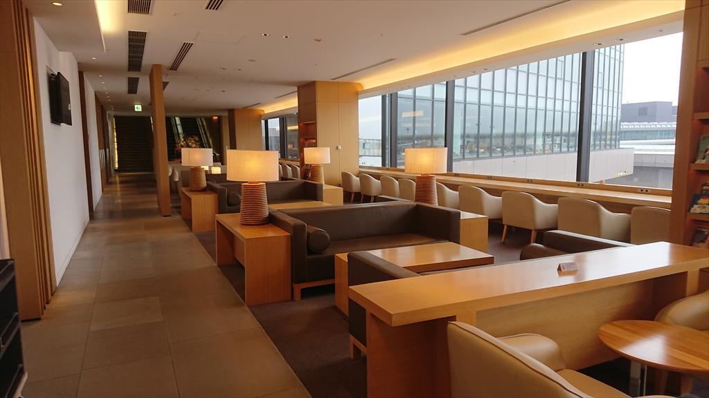 成田空港 JAL サクララウンジ