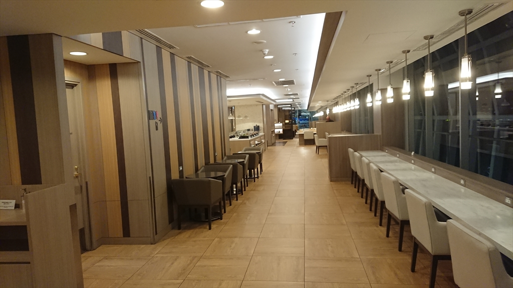 バンコク・スワンナプーム空港 JALサクララウンジ