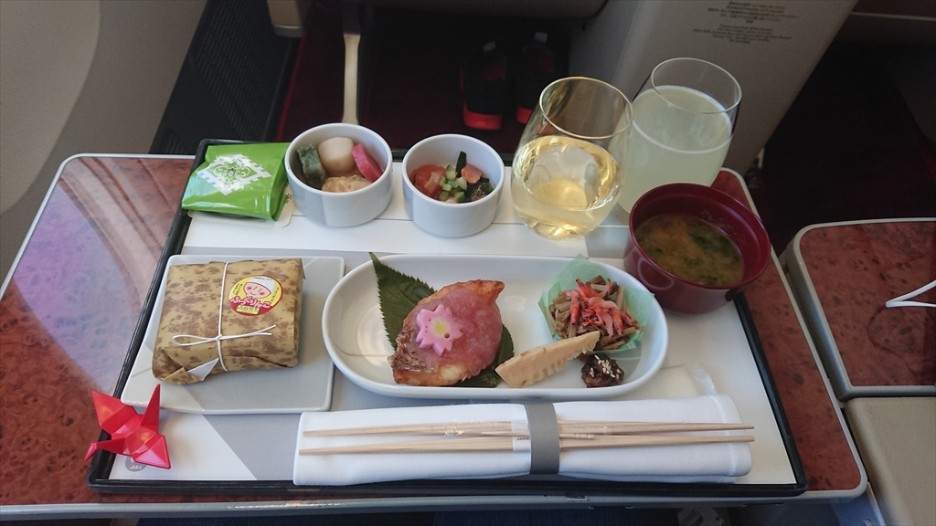 JAL JL511 羽田~札幌 ファーストクラス機内食 02APR20