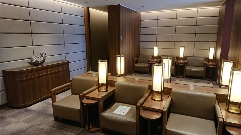 福岡空港 JAL DIAMOND PREMIER LOUNGE 20年06月訪問