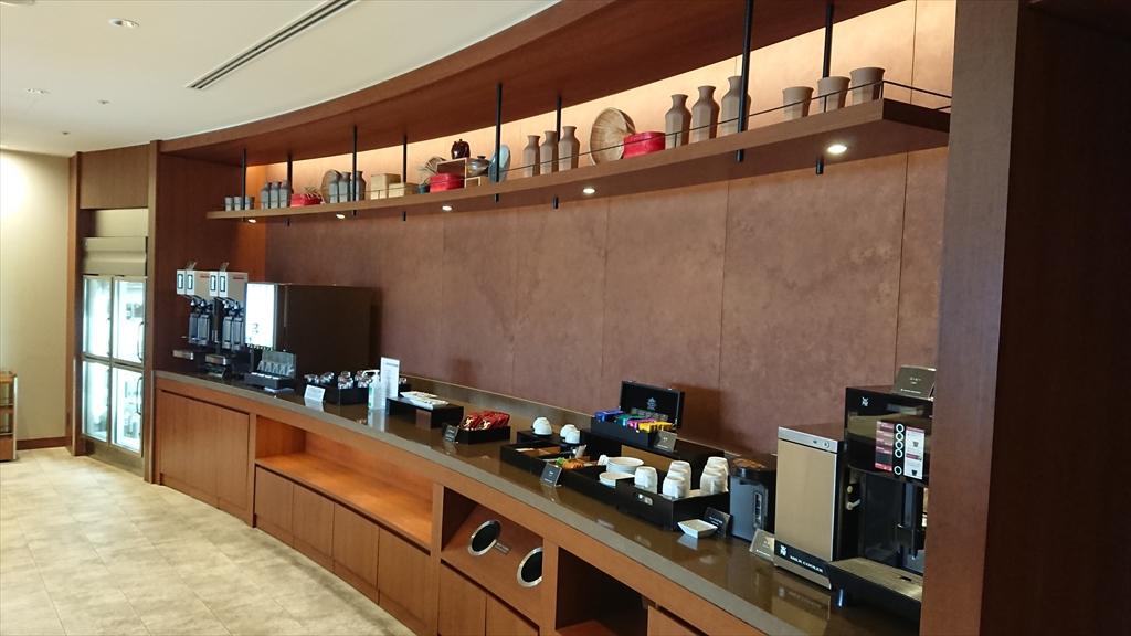 福岡空港 JAL サクララウンジ Sakura Lounge 20年06月訪問