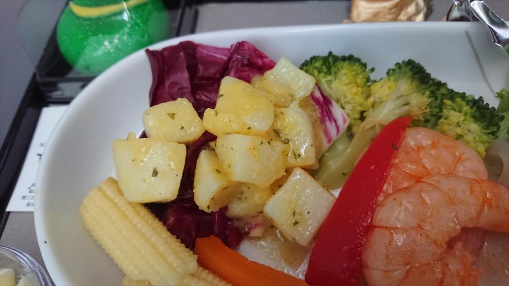 03AUG20 JL120 伊丹 ~ 羽田 ファーストクラス 機内食