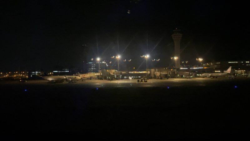 ボーイングB777-200型機 JL920 沖縄~羽田 ファーストクラス 搭乗記 18AUG20