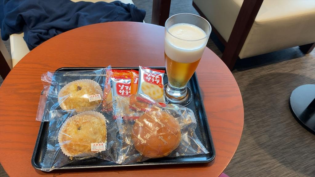 沖縄・那覇国際空港 JAL DIAMOND PREMIER LOUNGE 20年10月訪問