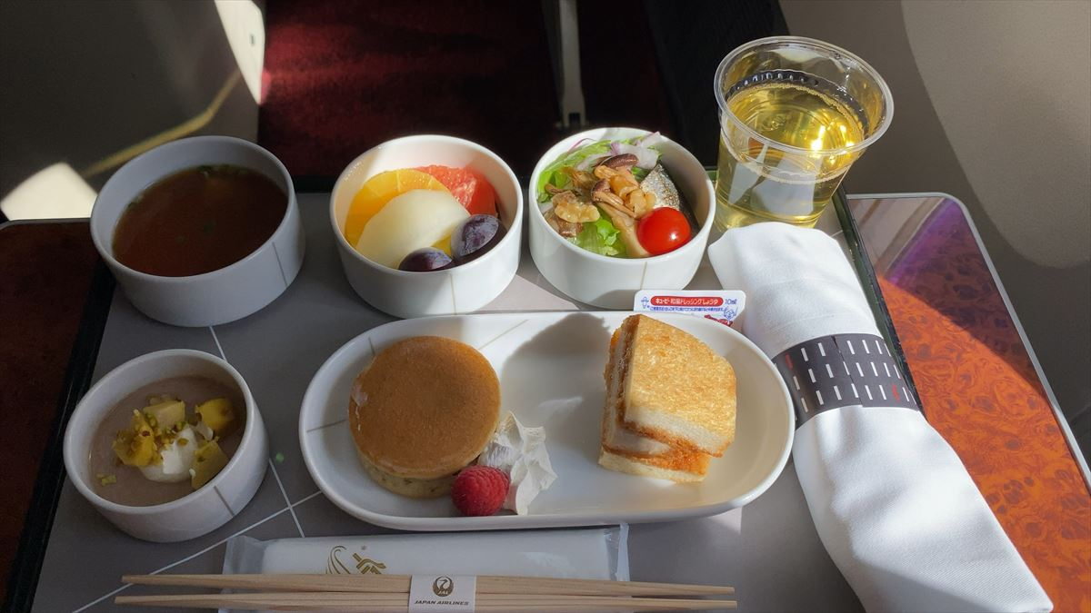 JAL JL505 羽田~札幌(新千歳) ファーストクラス機内食 20SEP20