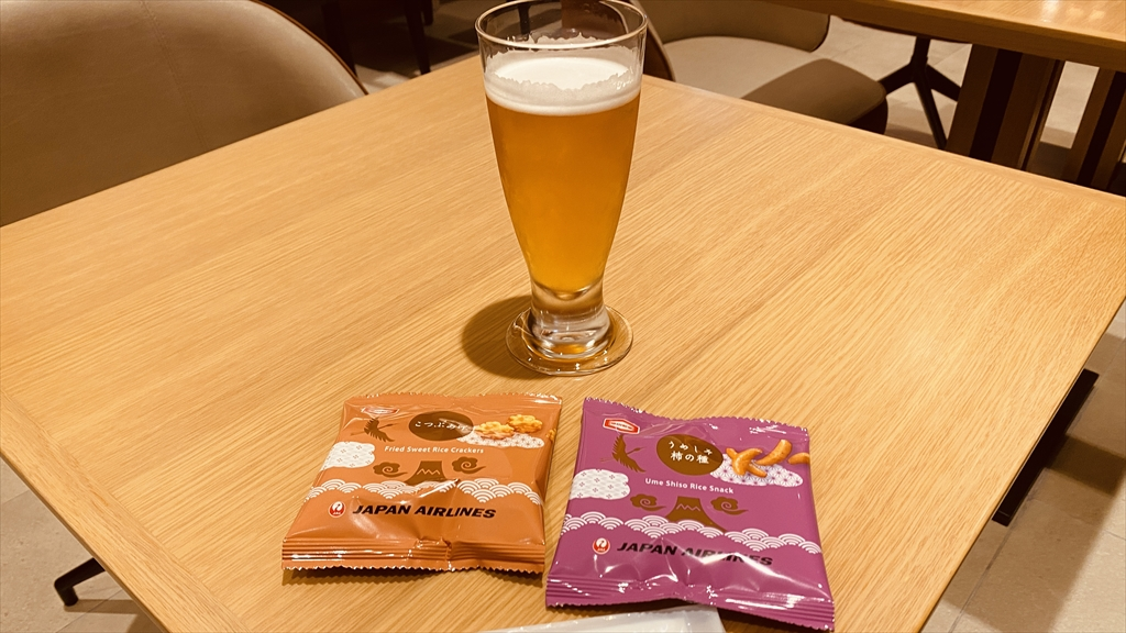 小松空港 JAL サクララウンジ