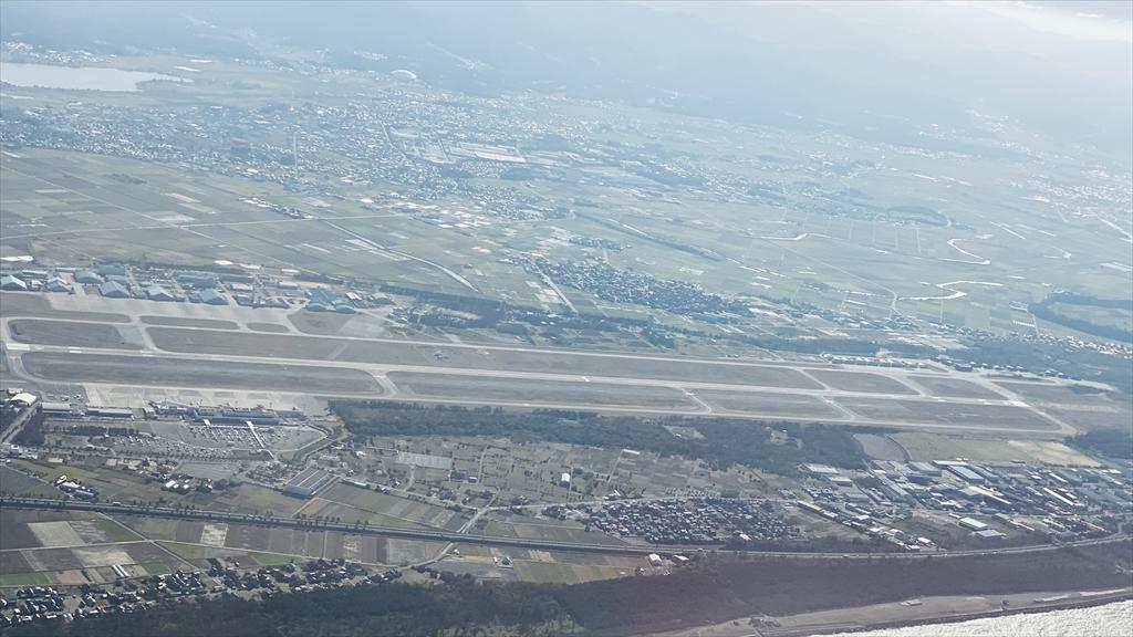 ボーイングB737-800型機 JL186 小松~羽田 クラスJ 搭乗記 14NOV20
