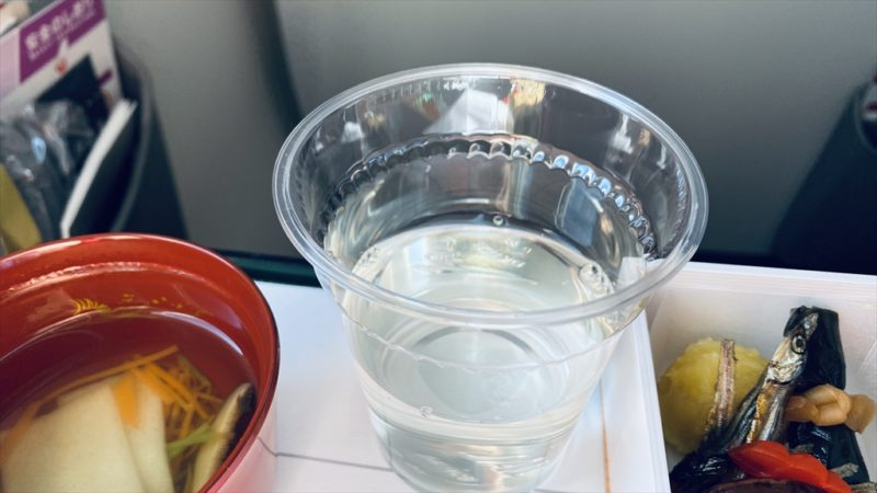 JAL JL915 羽田~沖縄(那覇) ファーストクラス機内食 01JAN21 おせち料理
