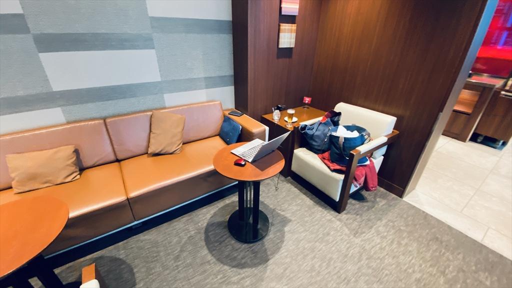 沖縄・那覇国際空港 JAL DIAMOND PREMIER LOUNGE 21年1月1日訪問