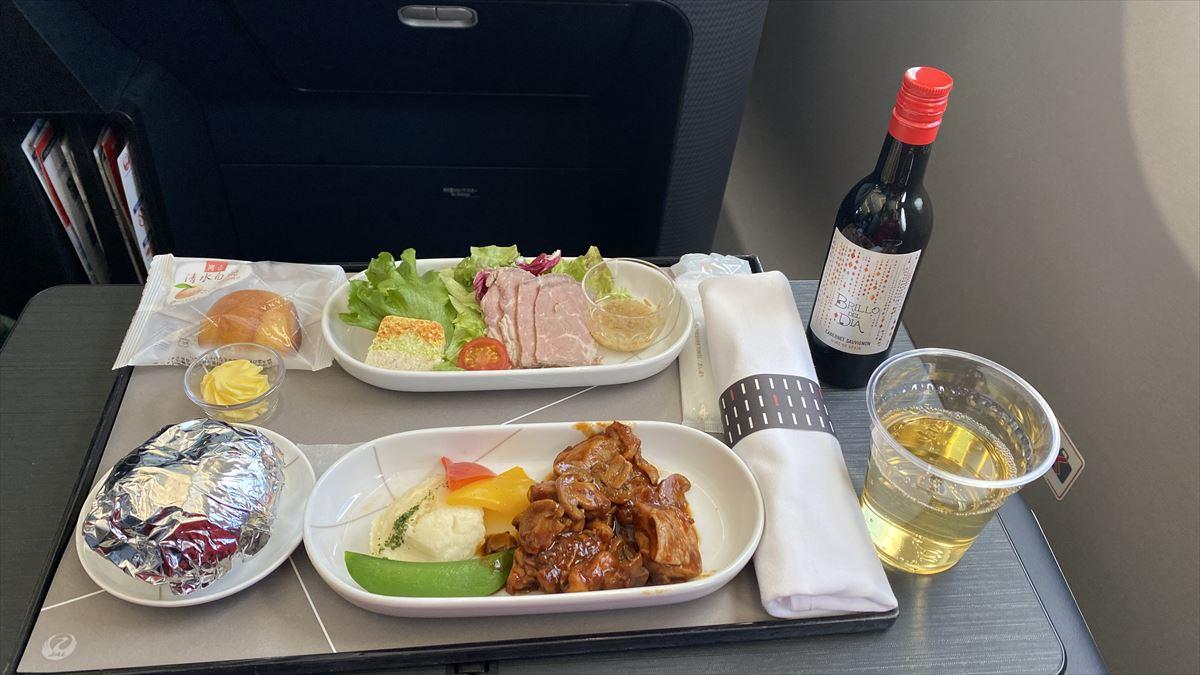 JAL JL915 羽田~沖縄(那覇) ファーストクラス機内食 08MAR21