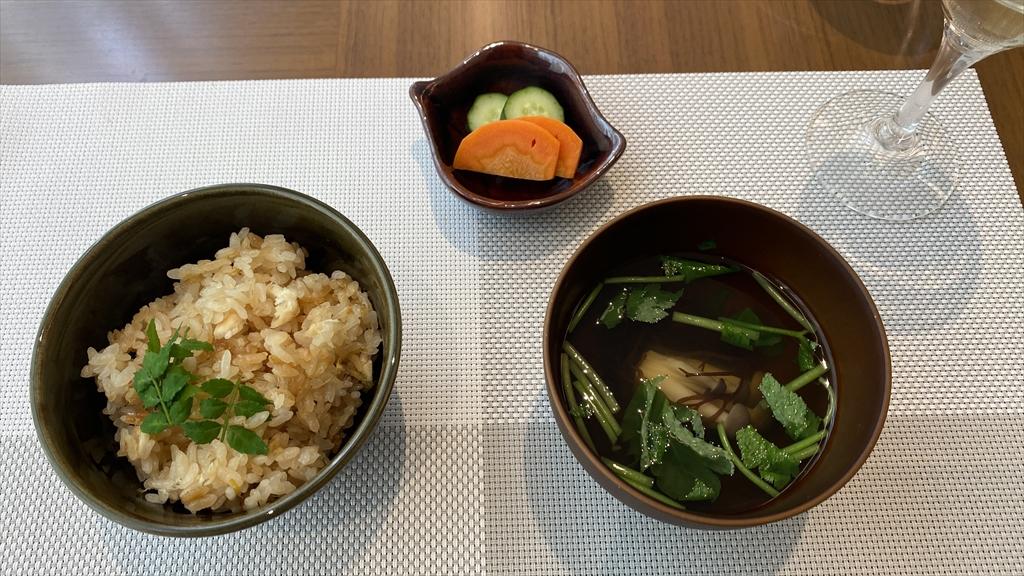 桜鯛と新筍の炊き込みごはん 香の物 吸い物