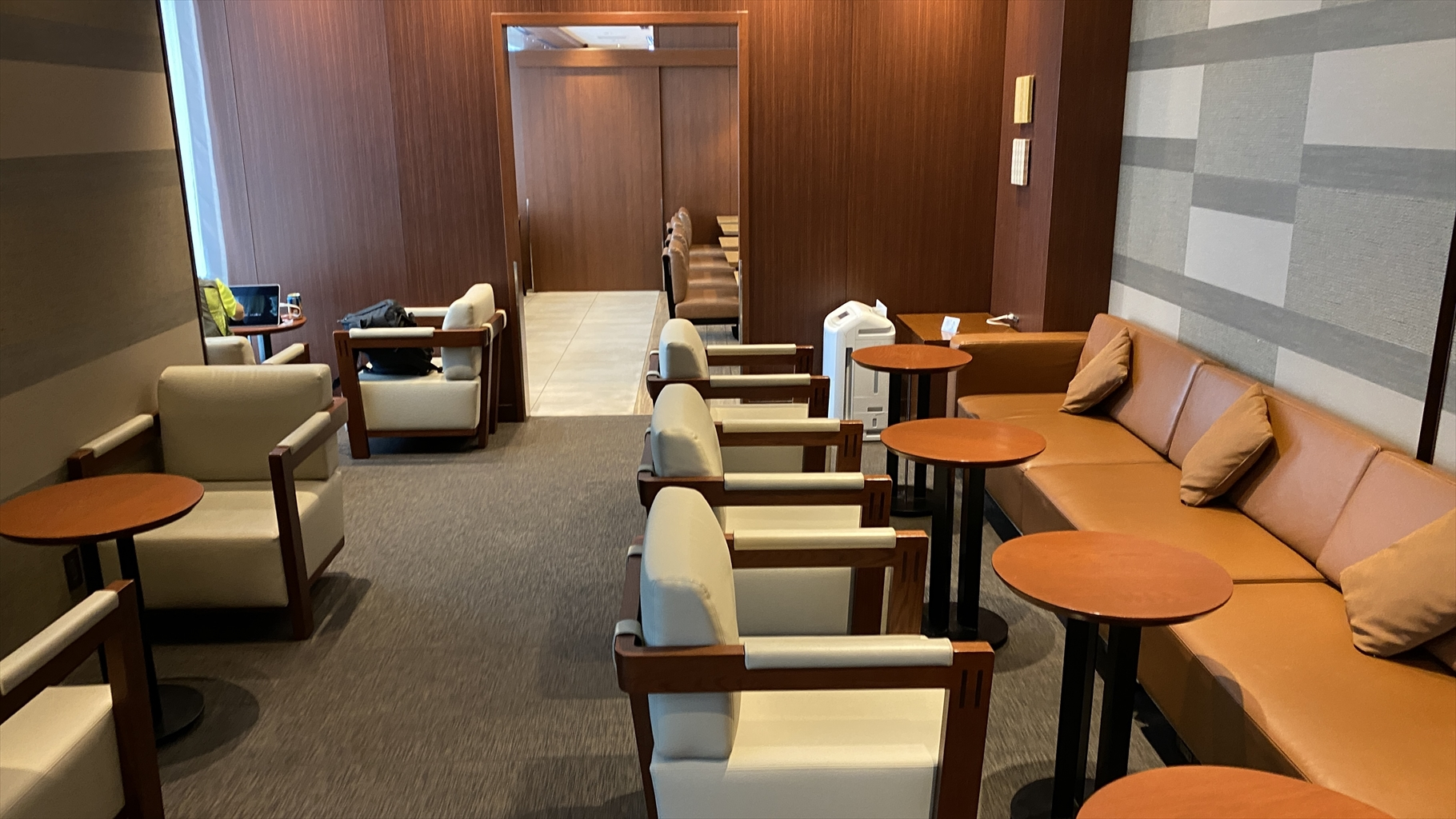 那覇空港 JAL DIAMOND PREMIER LOUNGE 21年6月訪問