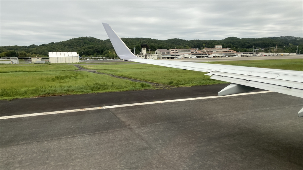 ボーイングB737-800型機 JL234 岡山~羽田 搭乗記 普通席 16SEP21