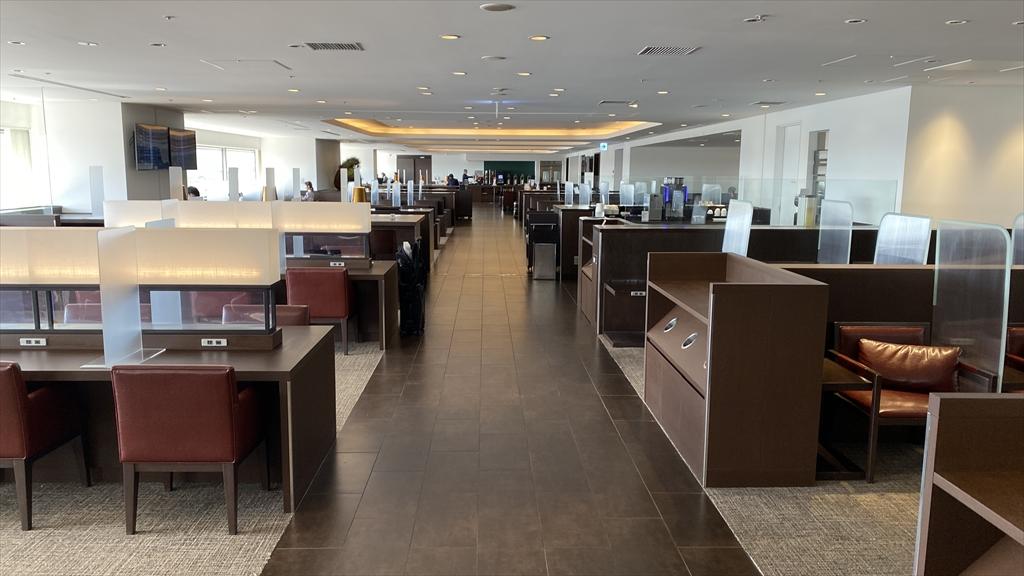 羽田空港 第一ターミナル 北ウィング JAL ダイヤモンドプレミアラウンジ ラウンジエリア